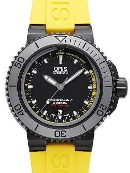 Oris Aquis Date Depth Gauge in der Version 01 733 7675 4754-Set RS aus Edelstahl mit DLC-Beschichtung