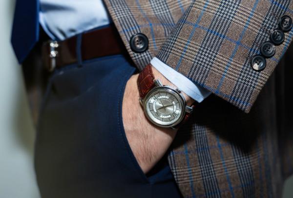 Armbanduhr in neuem Glanz erstrahlen lassen