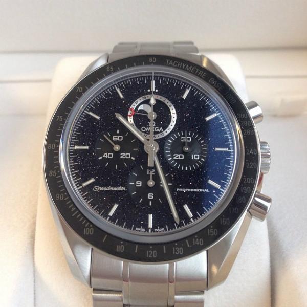 Omega-Speedmaster-Moonwatch-Moonphase