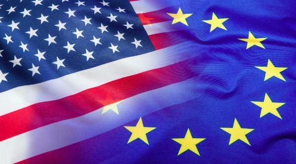 Flaggen von USA und Europa