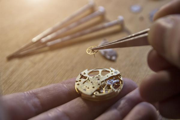 Mechanische Uhrenreparatur