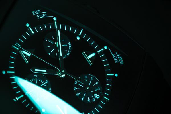 Armbanduhr mit Beleuchtung