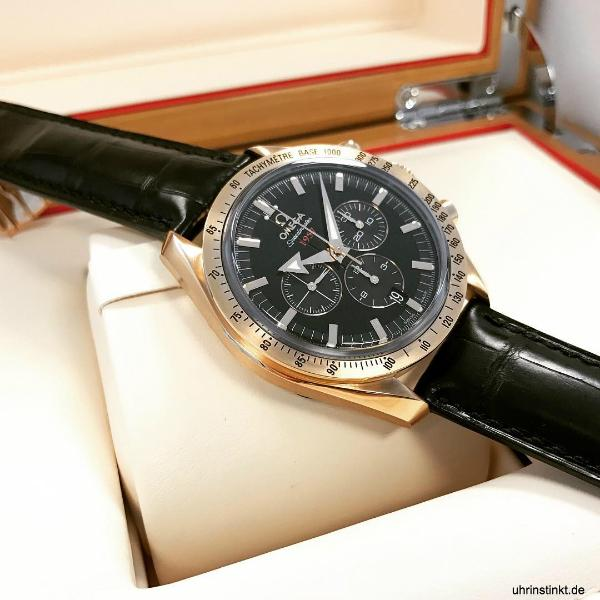 omega-speedmaster-broad-arrow-rare-luxury-timepiece-pinkgold