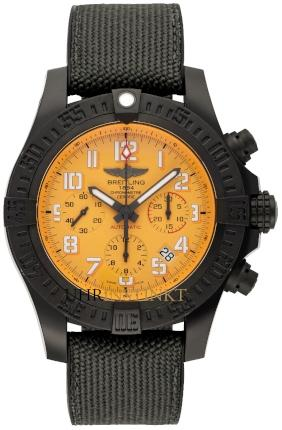 Breitling Avenger Hurricane 45 in der Version XB0180E41I1W1 aus Breitlight