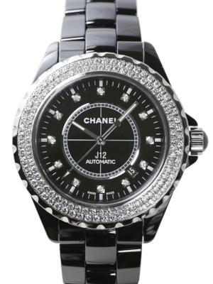 Chanel J12 Black Ceramic in der Version H2014 in schwarzer Hightech-Keramik mit 120 Diamanten auf der Luenette und 12 Diamantindizes