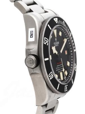 Tudor Pelagos LHD in der Version M25610TNL-0001