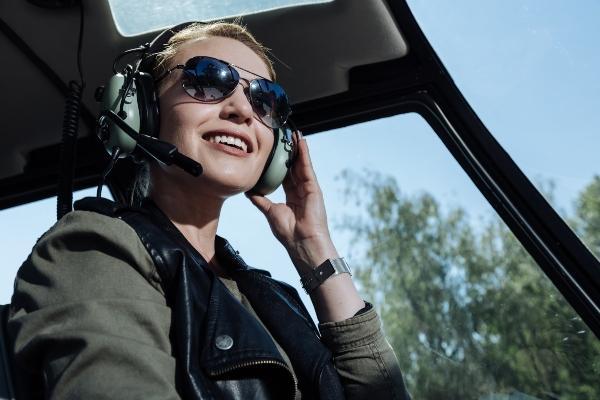 pilotin-hubschrauber-top-5-damen-fliegeruhren