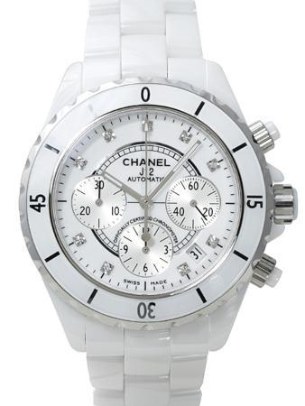 Chanel J12 Chronograph in der Version H2009 in weisser Hightech-Keramik mit 9 Diamanten