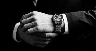 Gentleman mit Armbanduhr - Jérôme Lambert im Portrait