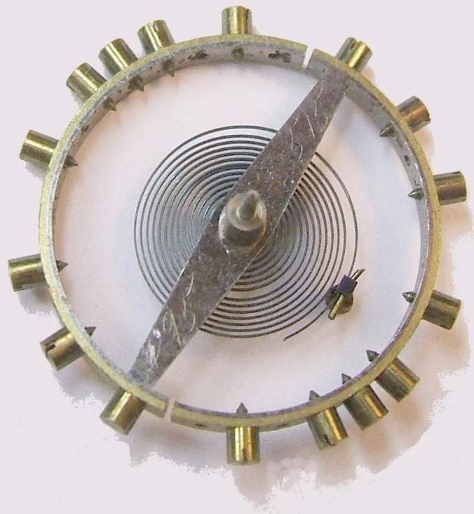 Kompensationsunruh mit Spiralfeder - Nivarox verbesserte die Materialeigenschaften