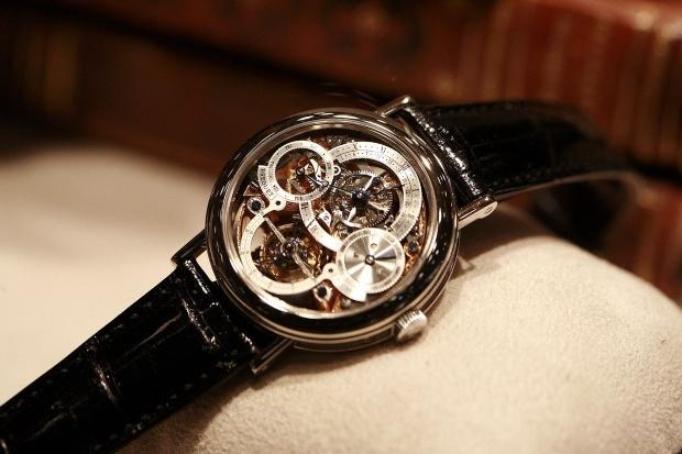 Armbanduhr von Breguet. - Dachbodenfund: Alte Uhren