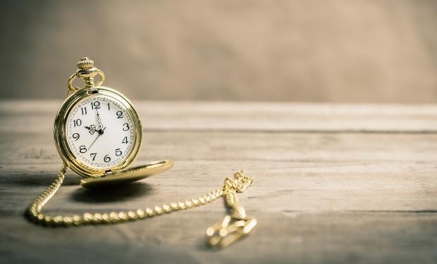 Alte goldene Taschenuhr